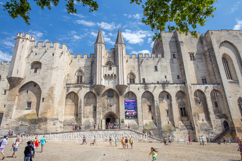 Palais des Papes, Palace of the Popes in Avignon, Provence, France